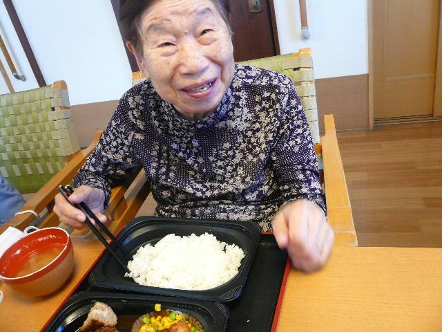 静岡市清水区グループホーム_月に一度のお楽しみ食